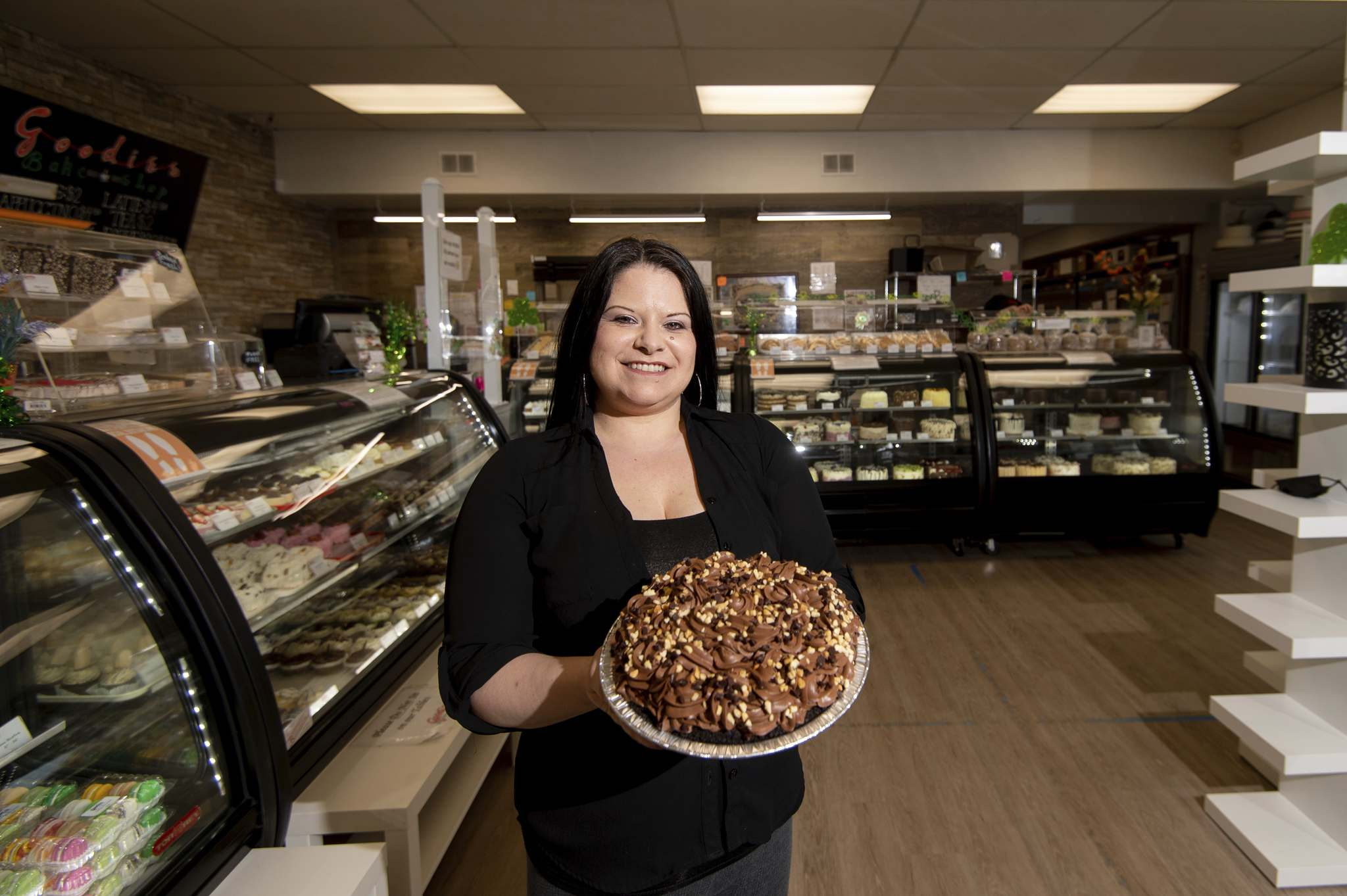 Linda Peters says Goodies Bake Shop's peanut butter chocolate mousse pie is a decked-out showstopper. (Mike Sudoma / Winnipeg Free Press)</p>