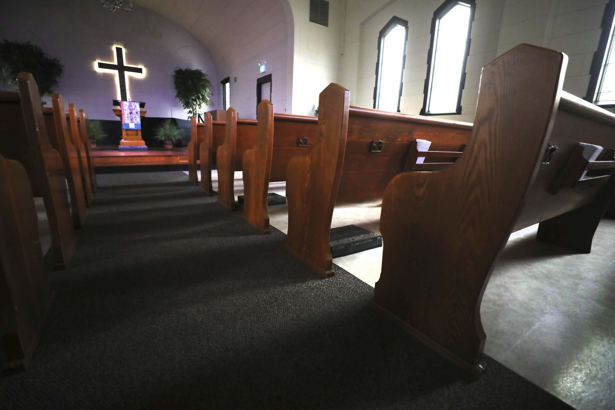 Indoor gathering in churches, many of which do not have good ventilation, is one of the riskier situations according to local epidemiologist Cynthia Carr. (Ruth Bonneville / Winnipeg Free Press files)