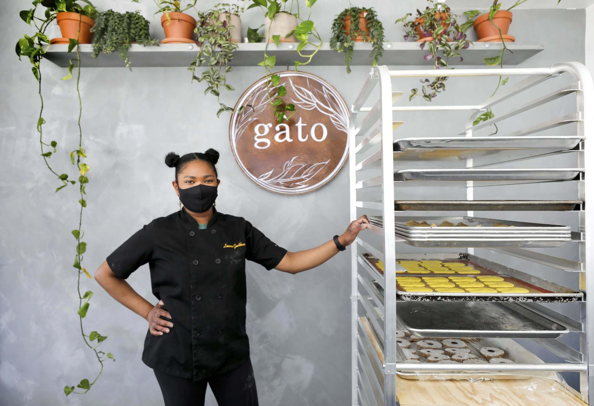 RUTH BONNEVILLE / WINNIPEG FREE PRESS</p><p>The short menu of vegan baked goods at Gâto reflects baker Laura Gurbhoo's dedication to using only sustainable ingredients and practices.</p></p>