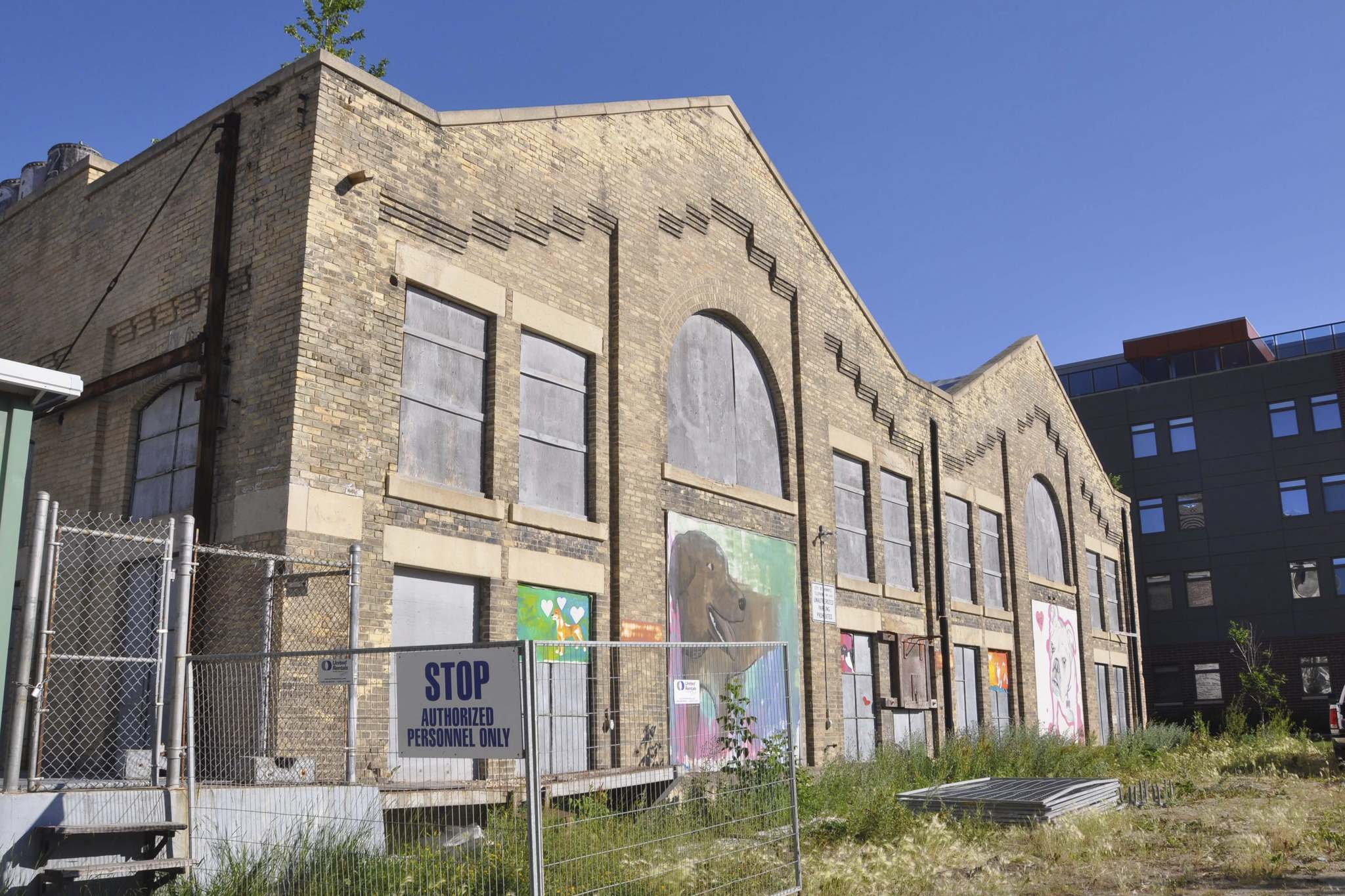 The Waterfront Drive neighbourhood has grown up around the boarded-up facade of the James Avenue Pumping Station.</p>