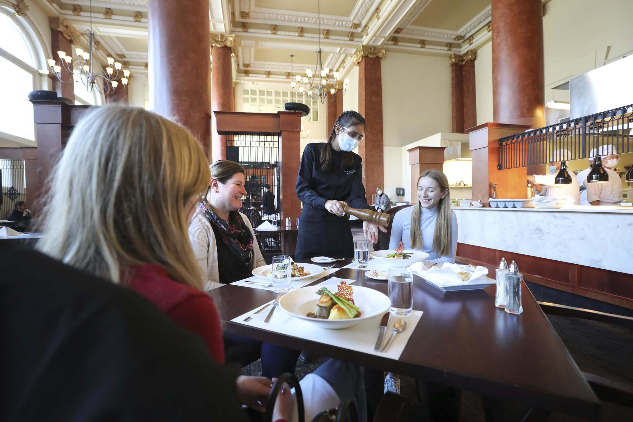 Lunch at Jane's Restaurant is an elegant experience. </p>