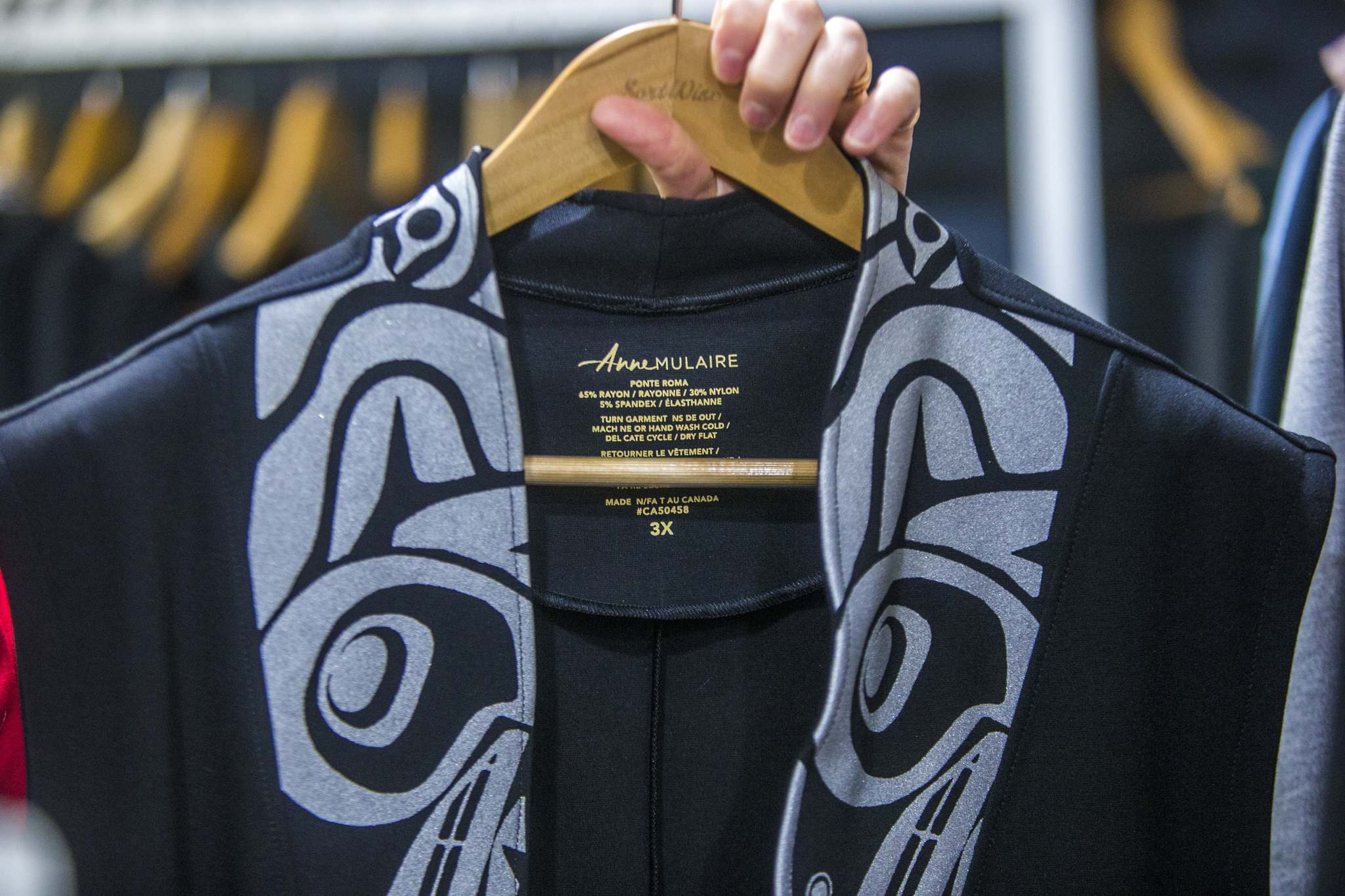 Dandeneau uses custom-made fabrics of bamboo or terry cloth. (Mikaela MacKenzie / Winnipeg Free Press)</p>