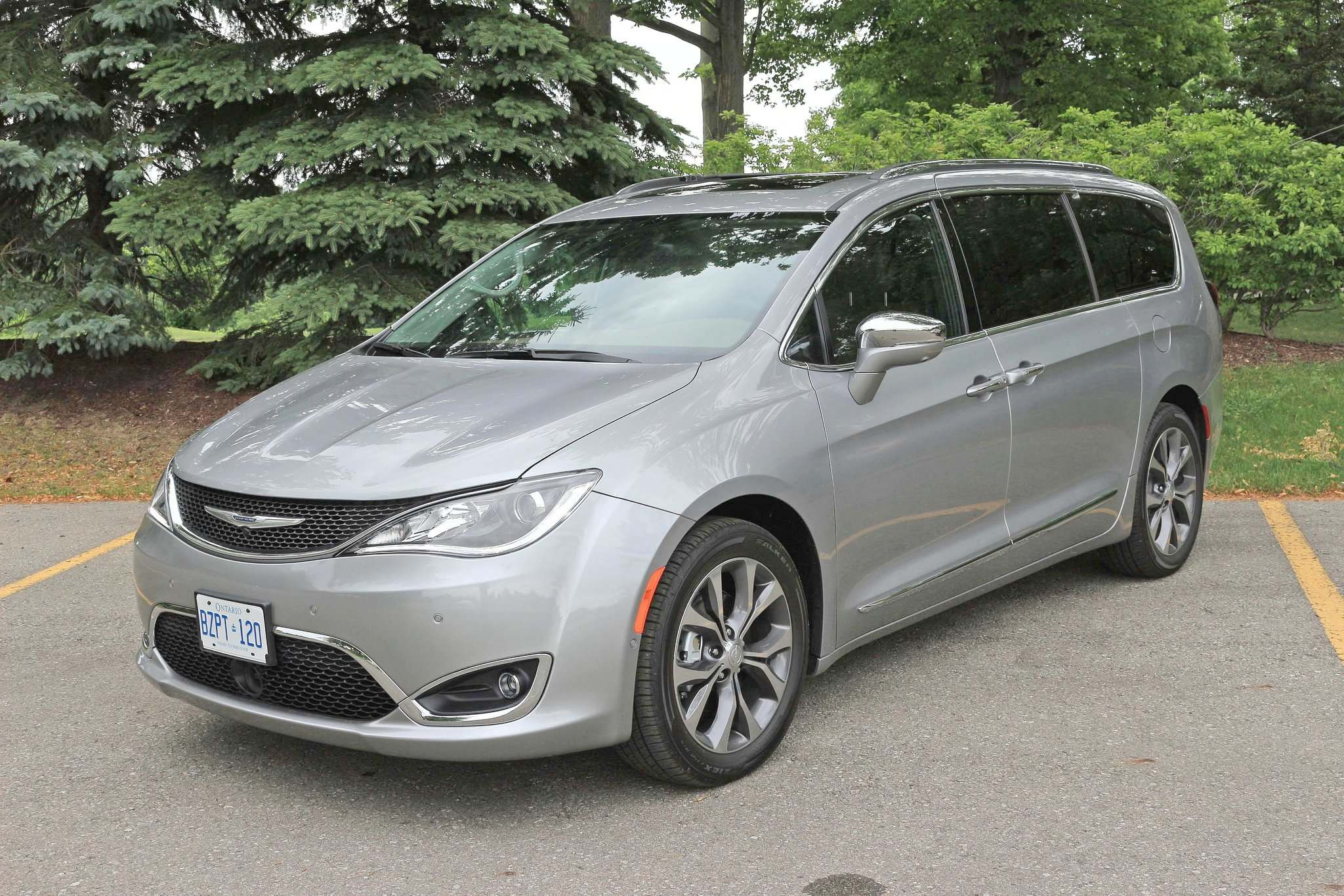 ventilated chrysler crestview vehicles heated near and navigation carlyle sale pacifica new dvd seats limited for