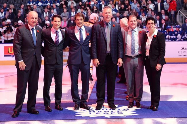 2017 Hockey Hall of Fame inductees, left to right, Jeremy Jacobs, Paul Kariya, Teemu Selanne, Dave Andreychuk, Mark Recchi and Danielle Goyette.