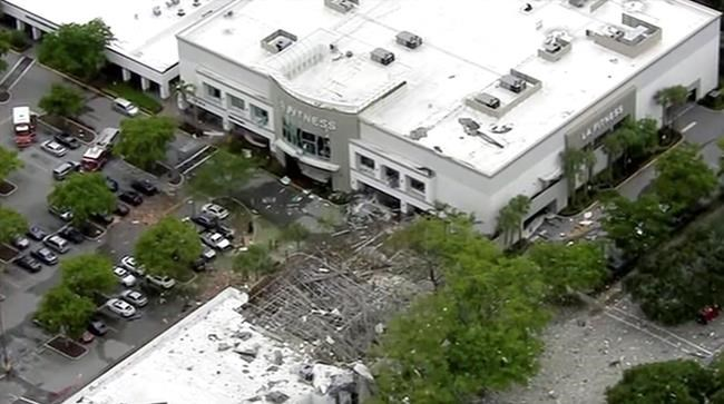 Explosion reported at Florida shopping center