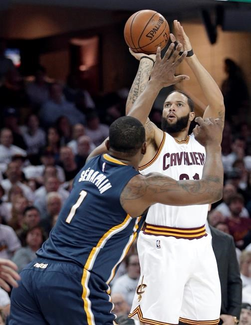 James, Cavaliers dominate Raptors