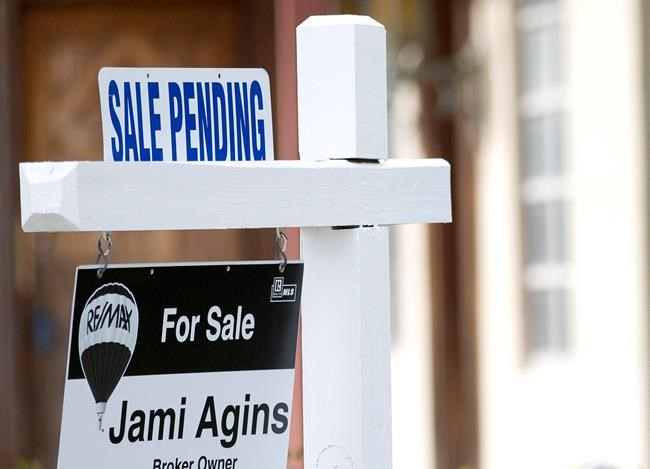 USA pending home sales slump in August