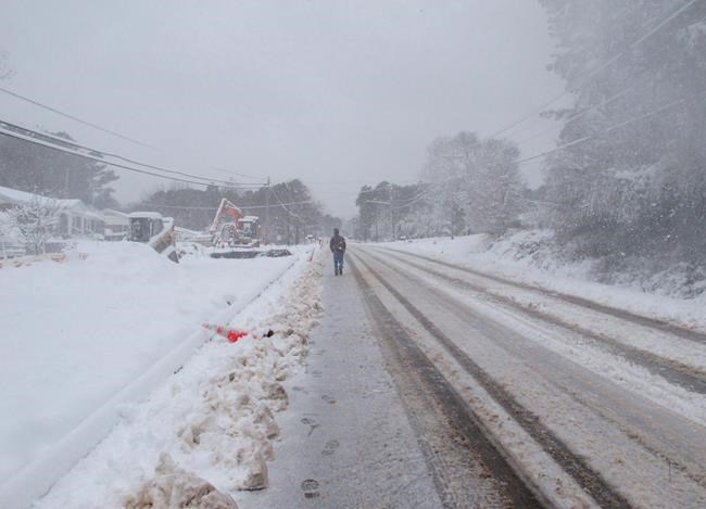 Swath of US South faces wintry mess: Snow, sleet, freezing rain