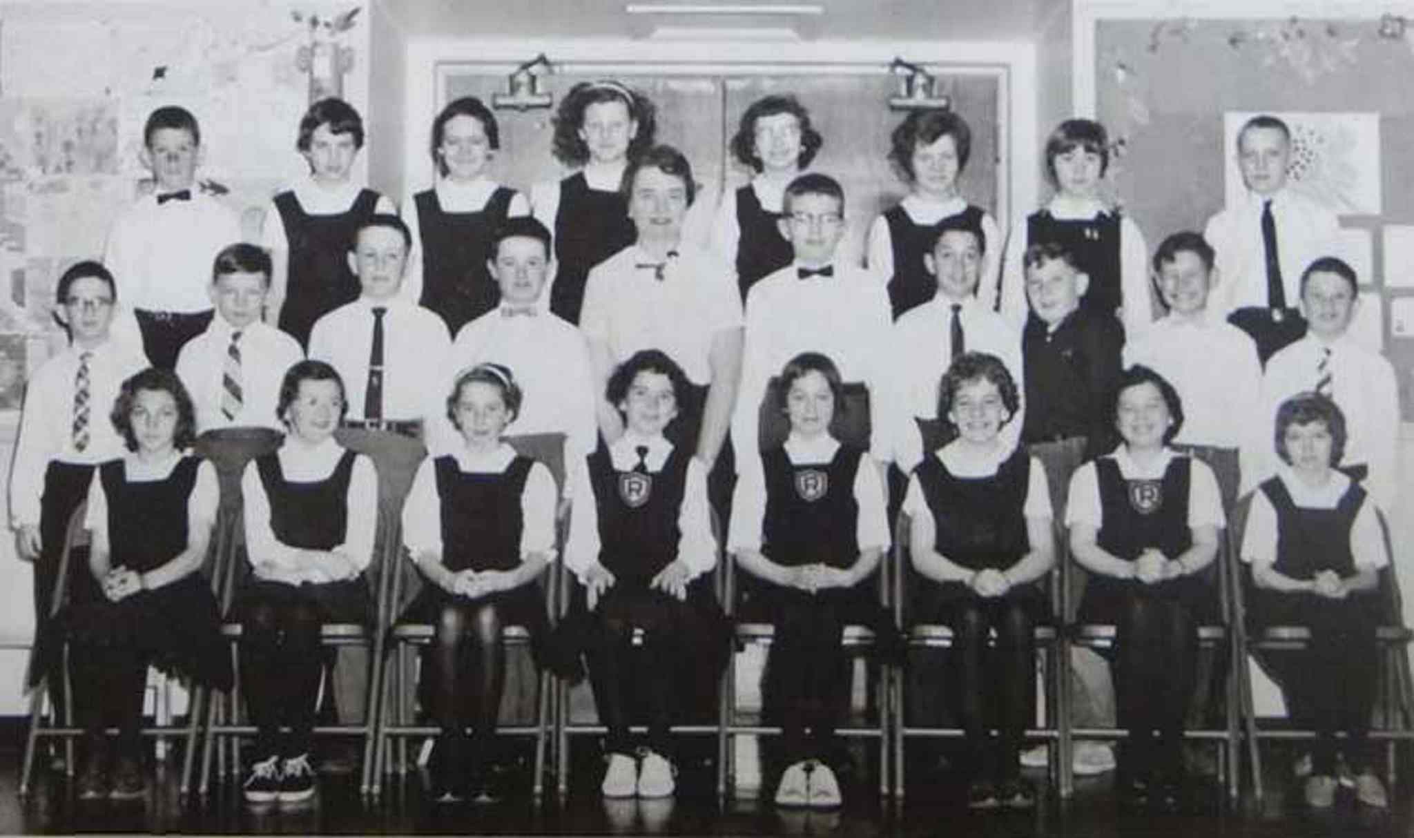One of teacher Miss Pearson's Major Work classes at Rockwood.  Pearson is in the middle of the second row.