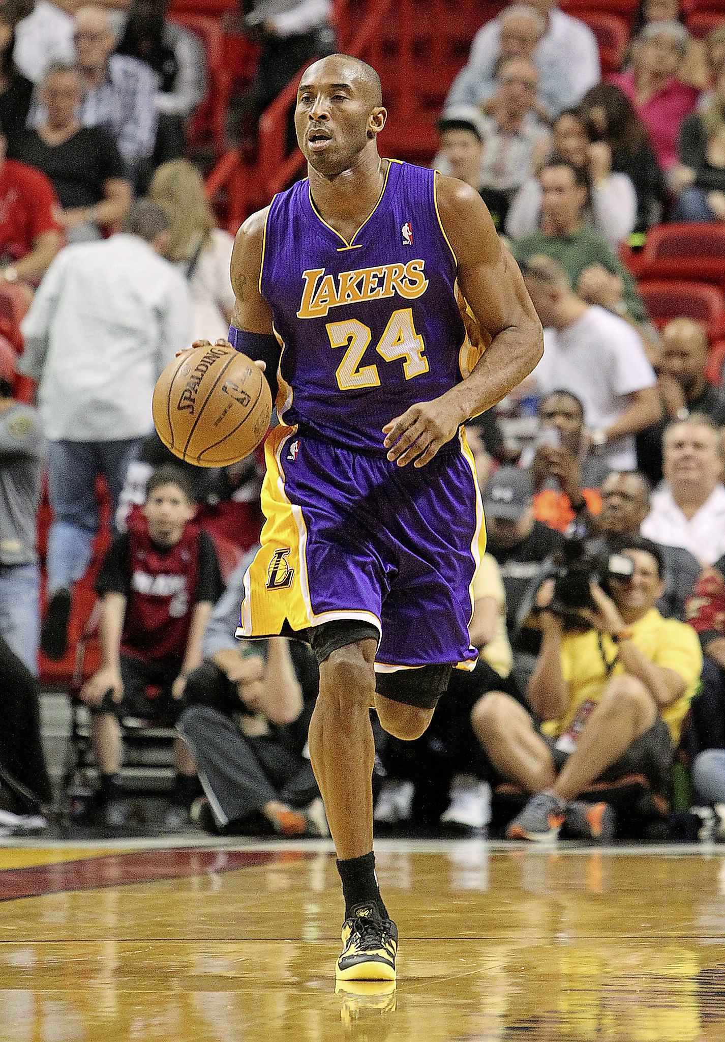 Kobe Bryant, his 13-year-old daughter and seven other people died Sunday in a helicopter crash. (David Santiago / El Nuevo Herald files)