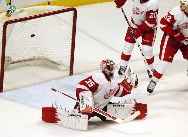 A late third-period goal on Detroit Red Wings goalie Jimmy Howard (35) by the Chicago Blackhawks was waved off when the play was ruled dead by an offical behind the play. The third period ended with the two teams tied at one goal apiece.