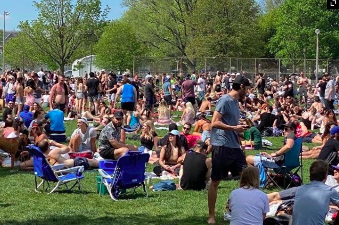 Toronto officials condemn 'dangerous' behaviour of people who packed park