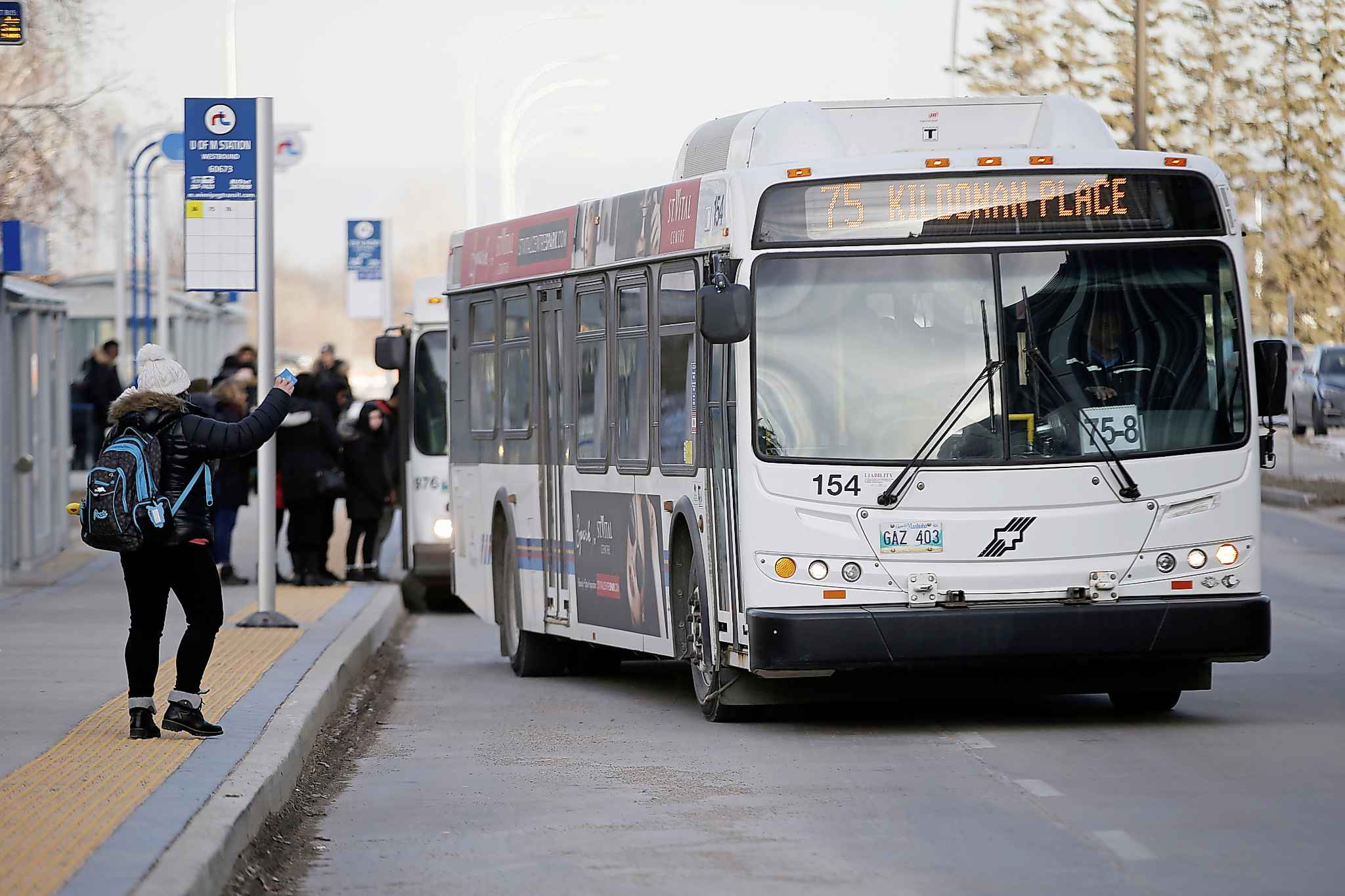 To stay within a two per cent budget increase imposed by Mayor Brian Bowman and the executive policy committee, Winnipeg Transit has to cut a combined $5.6 million from its operating budget and another $12.8 million from its capital budget for 2020.  (John Woods / Winnipeg Free Press files)