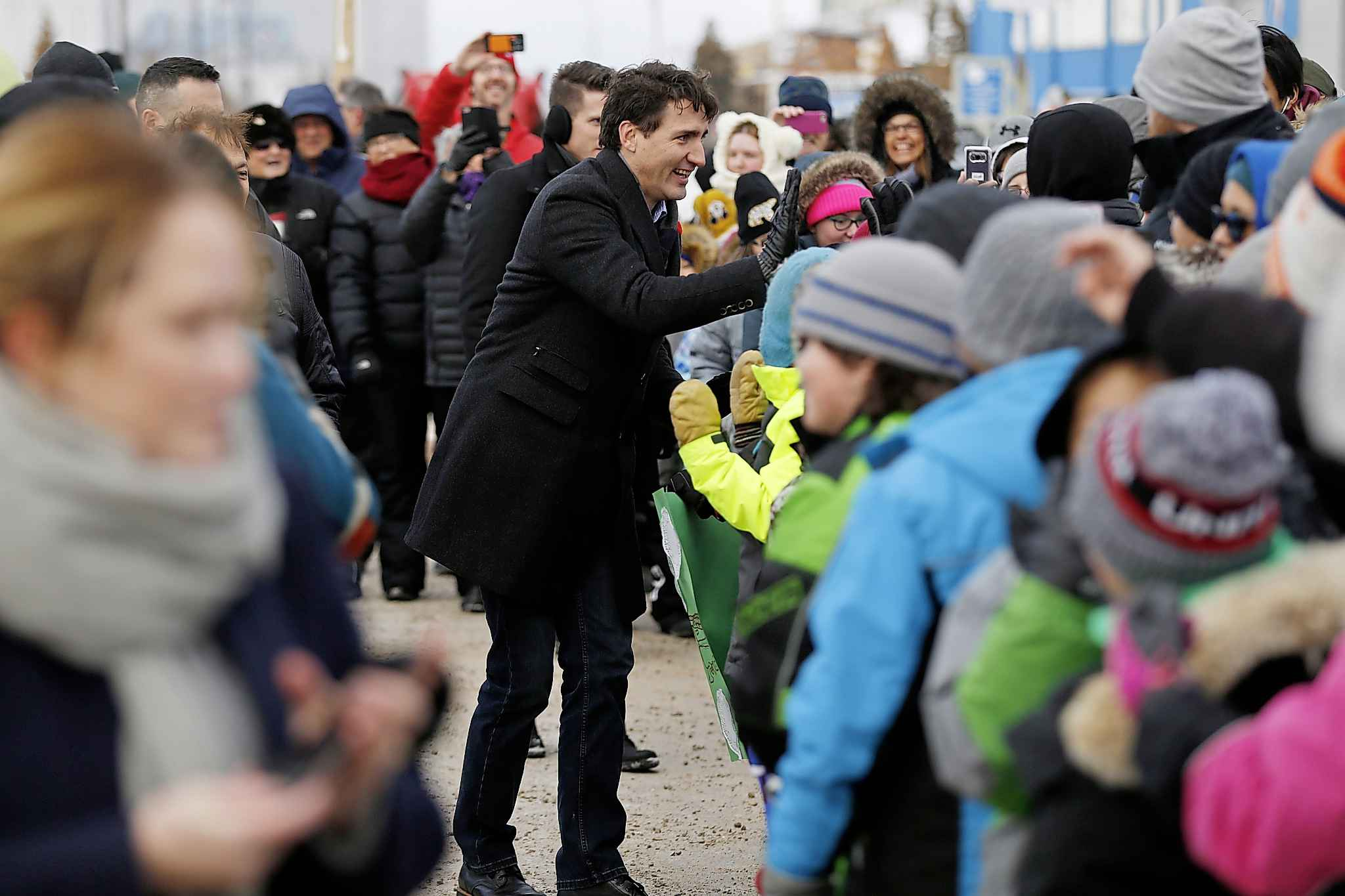 The entire town of Churchill came out to greet Prime Minister Justin Trudeau Thursday. (John Woods / Winnipeg Free Press)