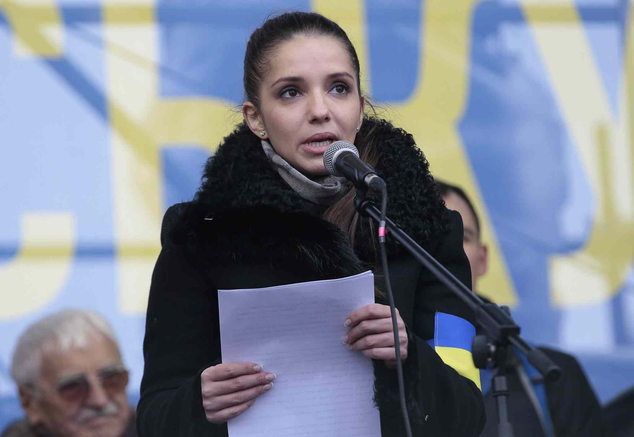 Eugenia Tymoshenko, daughter of jailed Ukrainian former prime minister Yulia Tymoshenko speaks to Pro-European Union activists during the rally. More than 200,000 angry Ukrainians occupied a central Kyiv square on Sunday, to denounce President Viktor Yanukovych's decision to turn away from Europe and align this ex-Soviet republic with Russia, as massive protests continued for a third week.