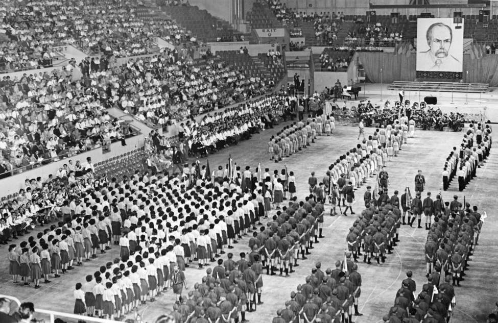 Winnipeg Free Press Archives July 10, 1961 Members of various Ukrainian youth organizations paid tribute to poet Taras Shevchenko Saturday at a youth festival at the Winnipeg Arena.