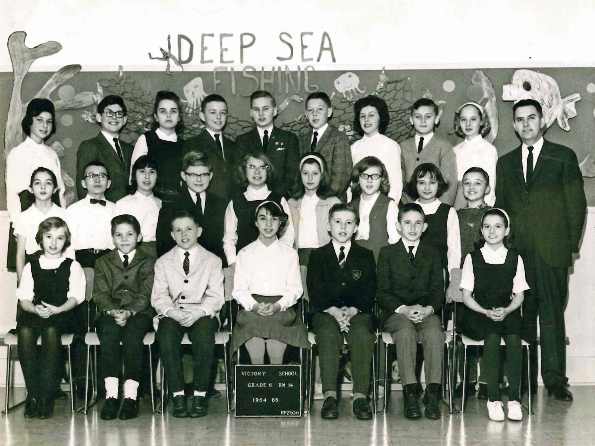 Lisa Watt (second row, second from right) in Grade 6 at Victory School.