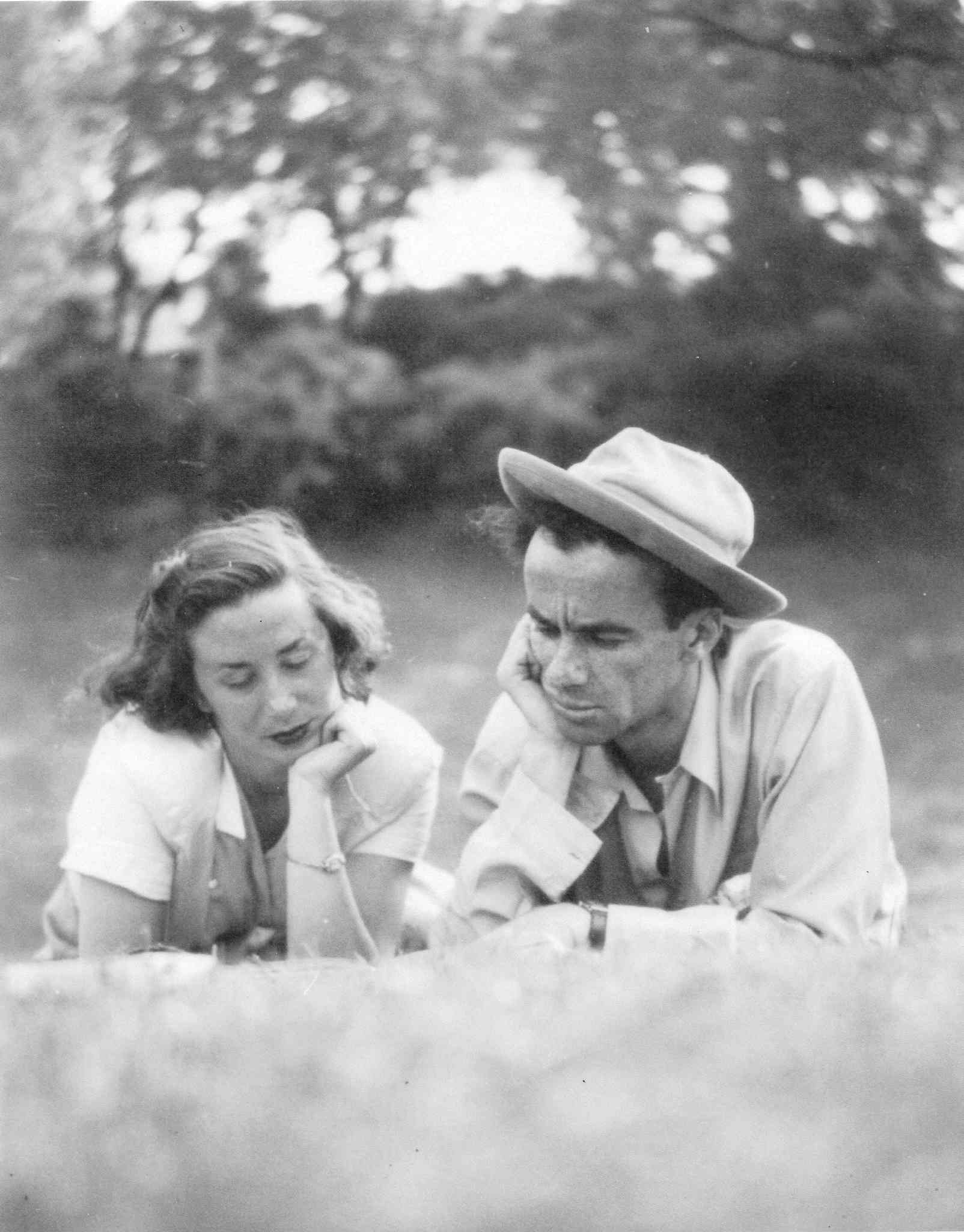 Val Werier and his wife, Eve, read together in Kildonan Park sometime in the 1940s. Tragically, Eve was diagnosed with a brain tumour at age 40 and died in 1974.