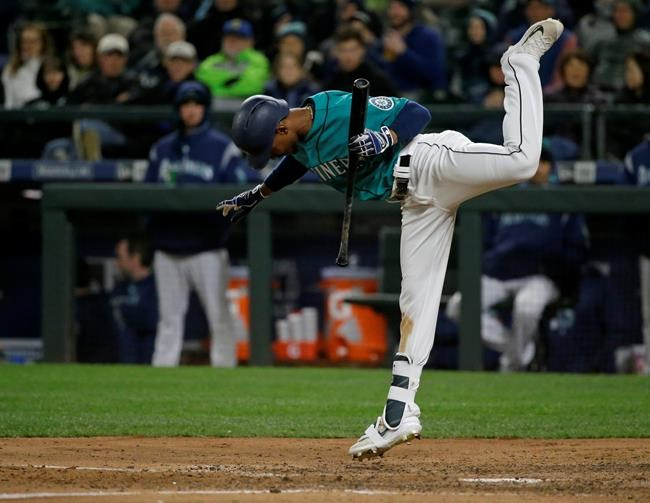 Seager hits solo HR in 8th, Mariners rally past Rangers 4-3