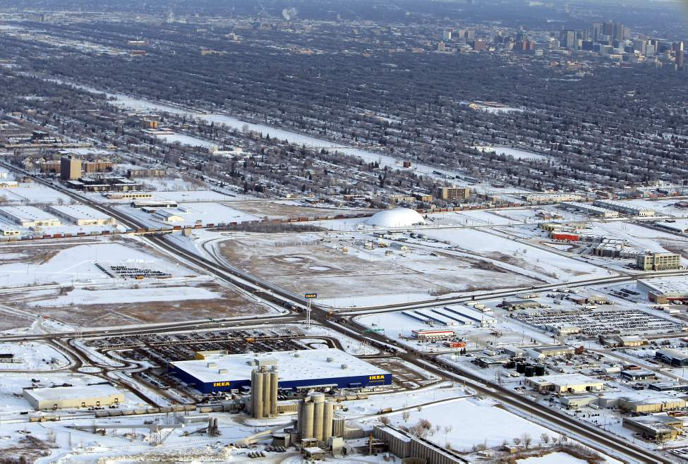 IKEA and the city (BORIS MINKEVICH / WINNIPEG FREE )