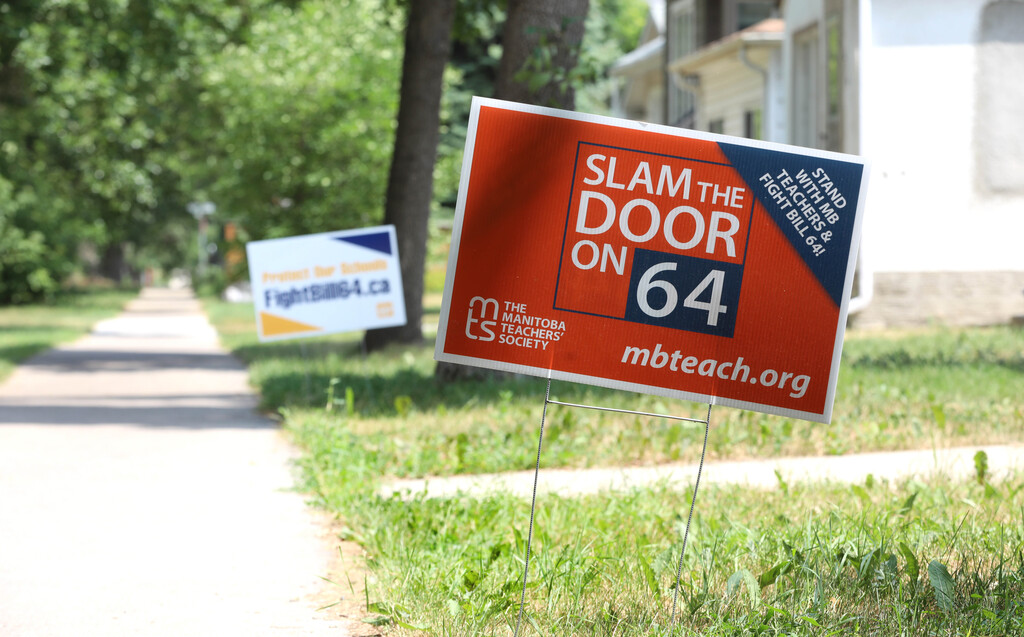 Thousands of lawn signs are spread out across the city. (Ruth Bonnevillle / Winnipeg Free Press files)