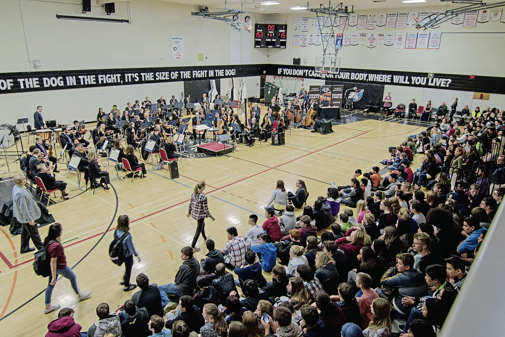 The Winnipeg Symphony Orchestra visited Collège Sturgeon Heights and five other high schools for an hour-long performance.