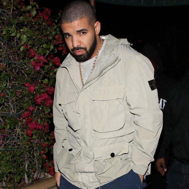Drake denies getting a former porn star pregnant