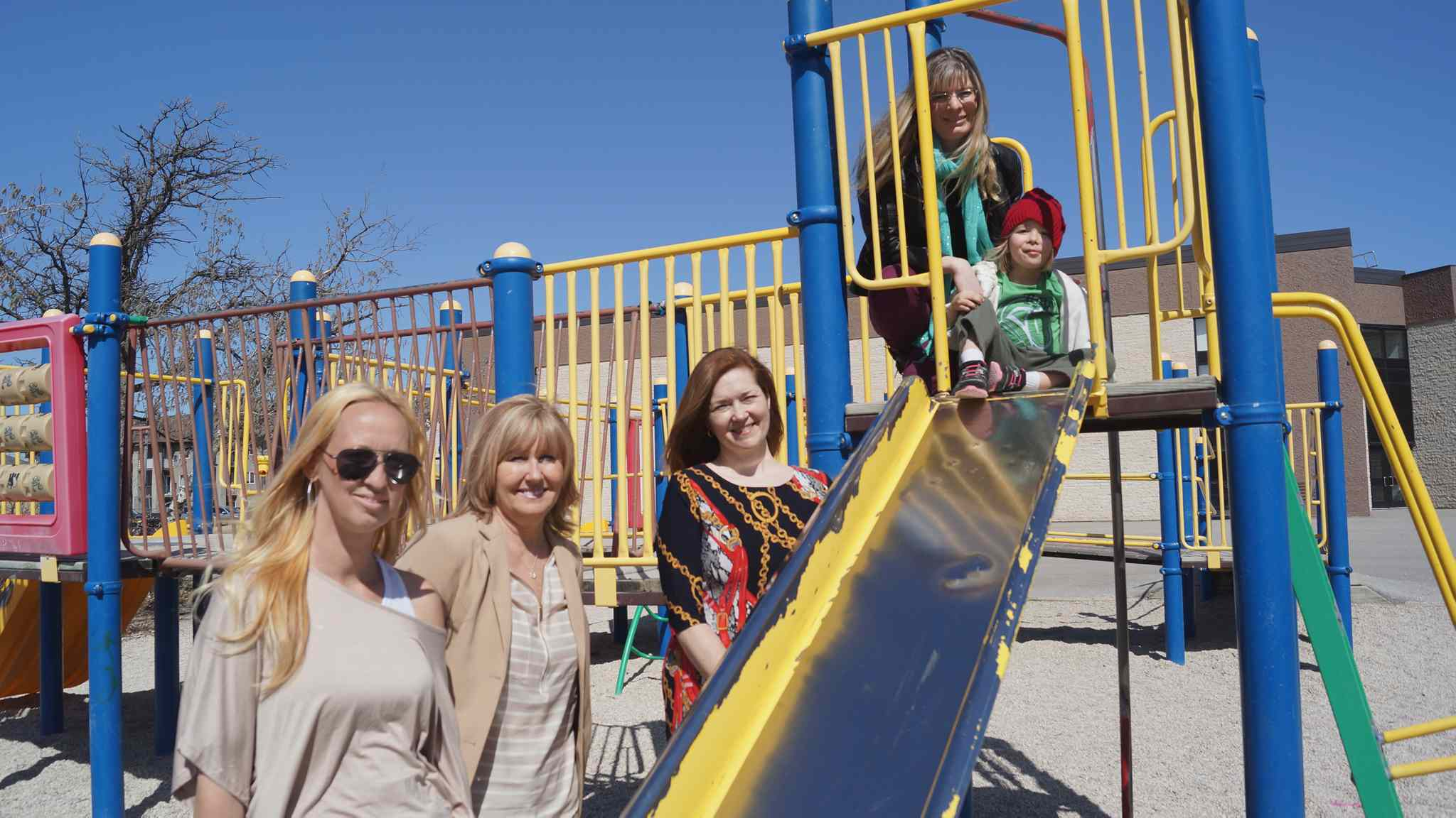 The Dalhousie Parent Advisory Council is hoping to raise over $209,000 to replace the decaying play structure and create a brand new playground behind Dalhousie School (262 Dalhousie Dr.). From left: Jaime Webster, principal Marina Wilson, vice-principal Jennifer Bracken, Suzanne Pothe and daughter Justine Pothe, 3.