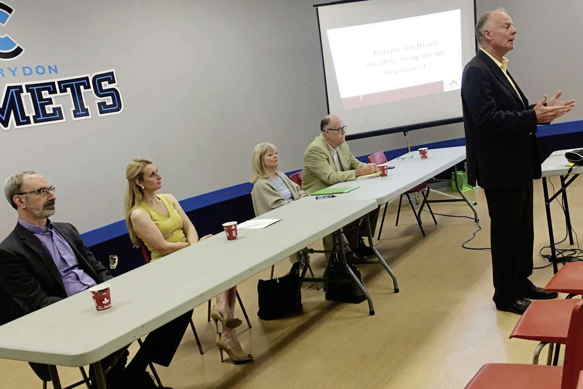 MLA Jon Gerrard hosted a forum to discuss mental health on Oct. 2.