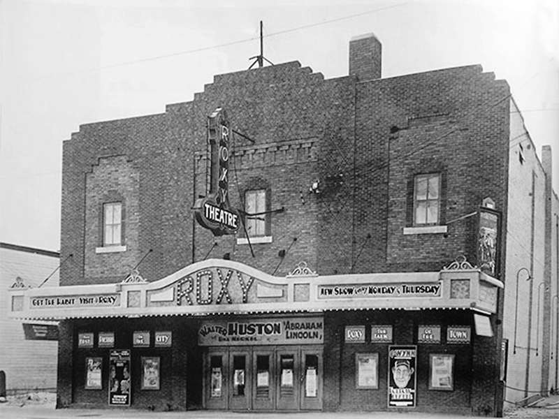 The Roxy Theatre as it appeared in 1930.