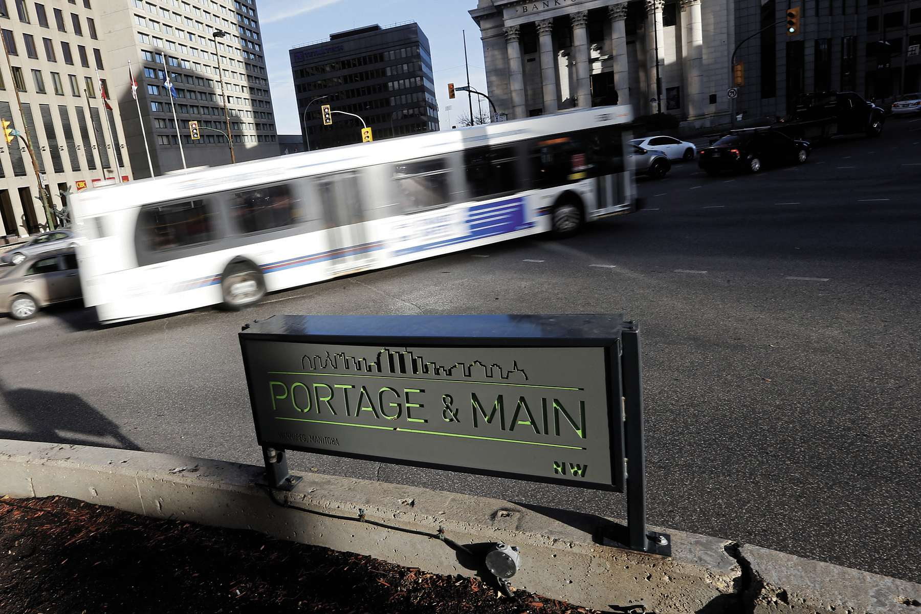 The public should be asked whether it approves of re-opening Portage and Main to foot traffic in the Oct. 24 civic election.
