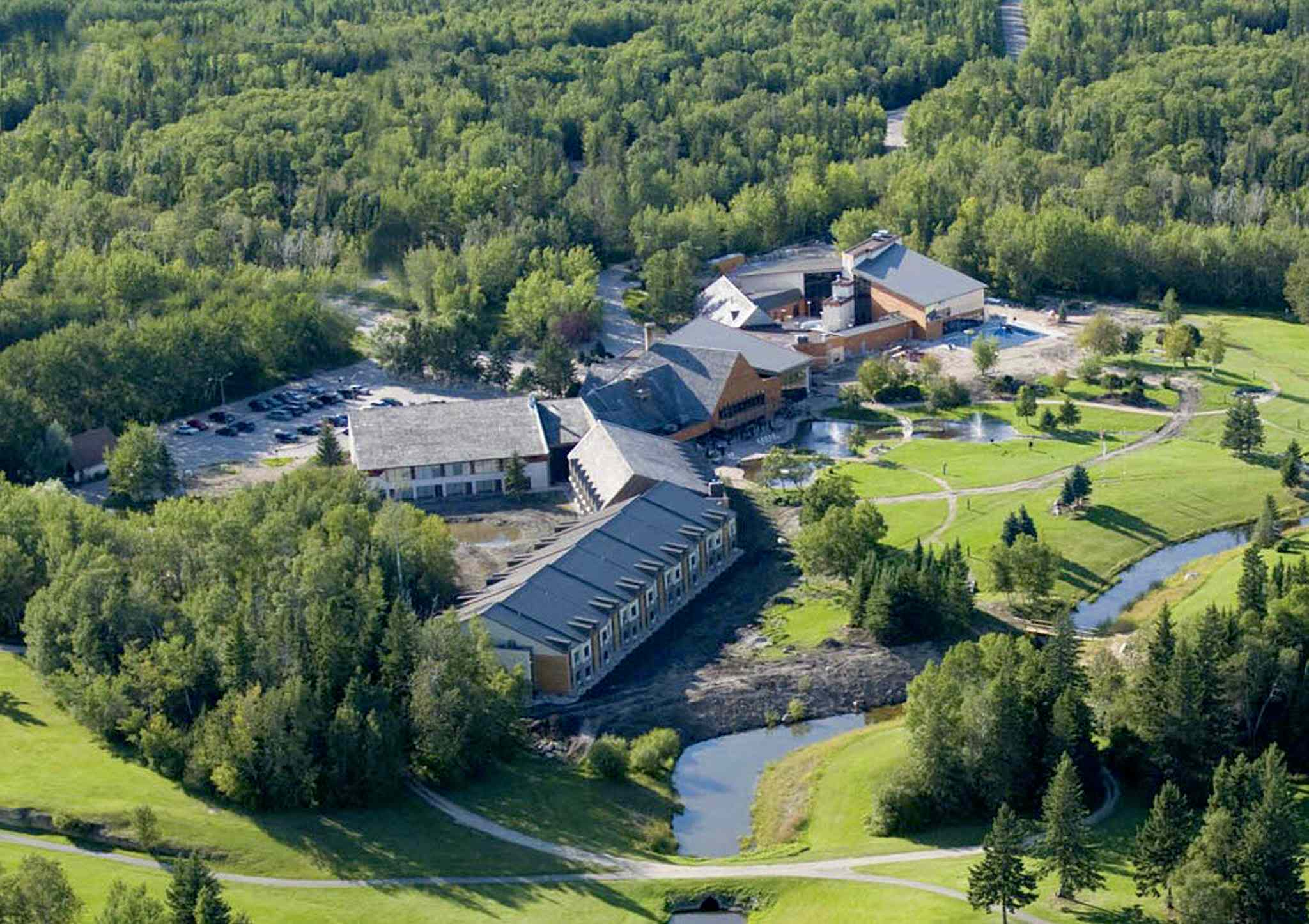 An aerial view of Lakeview Resort and Golf Course at Hecla Provincial Park.