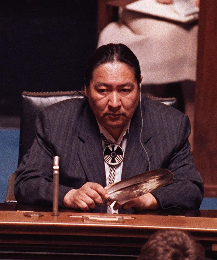 June 19, 1990: NDP MLA Elijah Harper sits in the Manitoba Legislature holding an eagle feather for spiritual strength as he continues to delay the house debate on the Meech Lake Accord. (Wayne Glowacki / Winnipeg Free Press Archives)