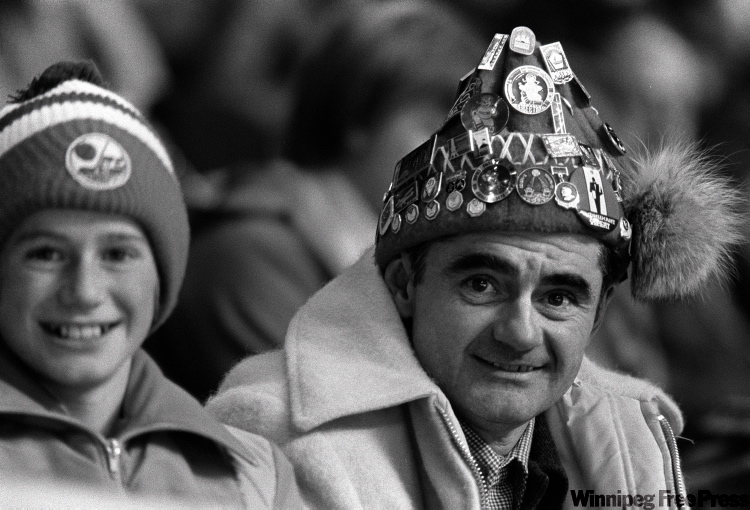Fans enjoyed the game against the Soviet Union on Jan 6 1977.