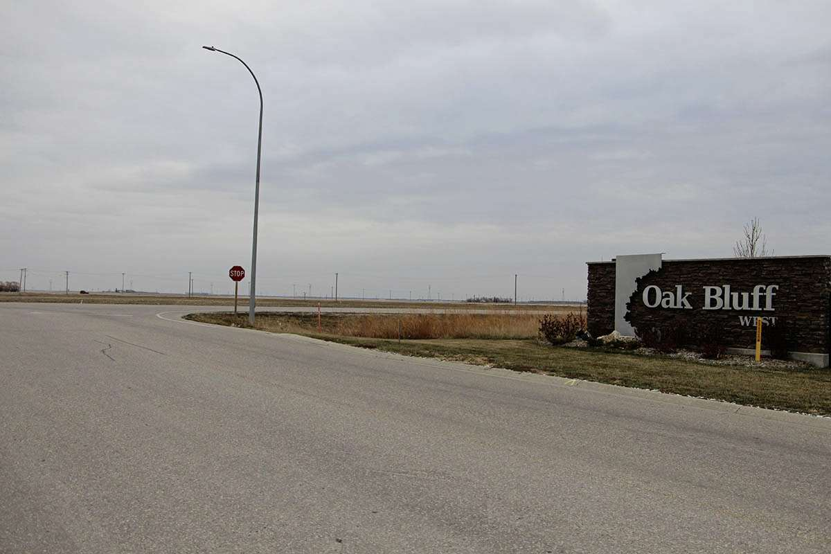 Developers are looking to rezone the land across from Oak Bluff West. (GABRIELLE PICHÉ/CANSTAR COMMUNITY NEWS/HEADLINER)