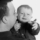 Study shows that giving non-verbal clues helps infants learn more words.