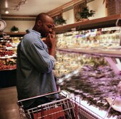 Your body shifts to survival mode at the grocery store, expert says.