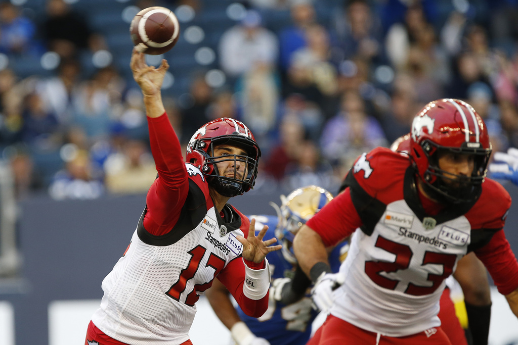 Calgary QB Jake Maier completed 30 of 39 passing attempts for 307 yards. (John Woods / The Canadian Press)
