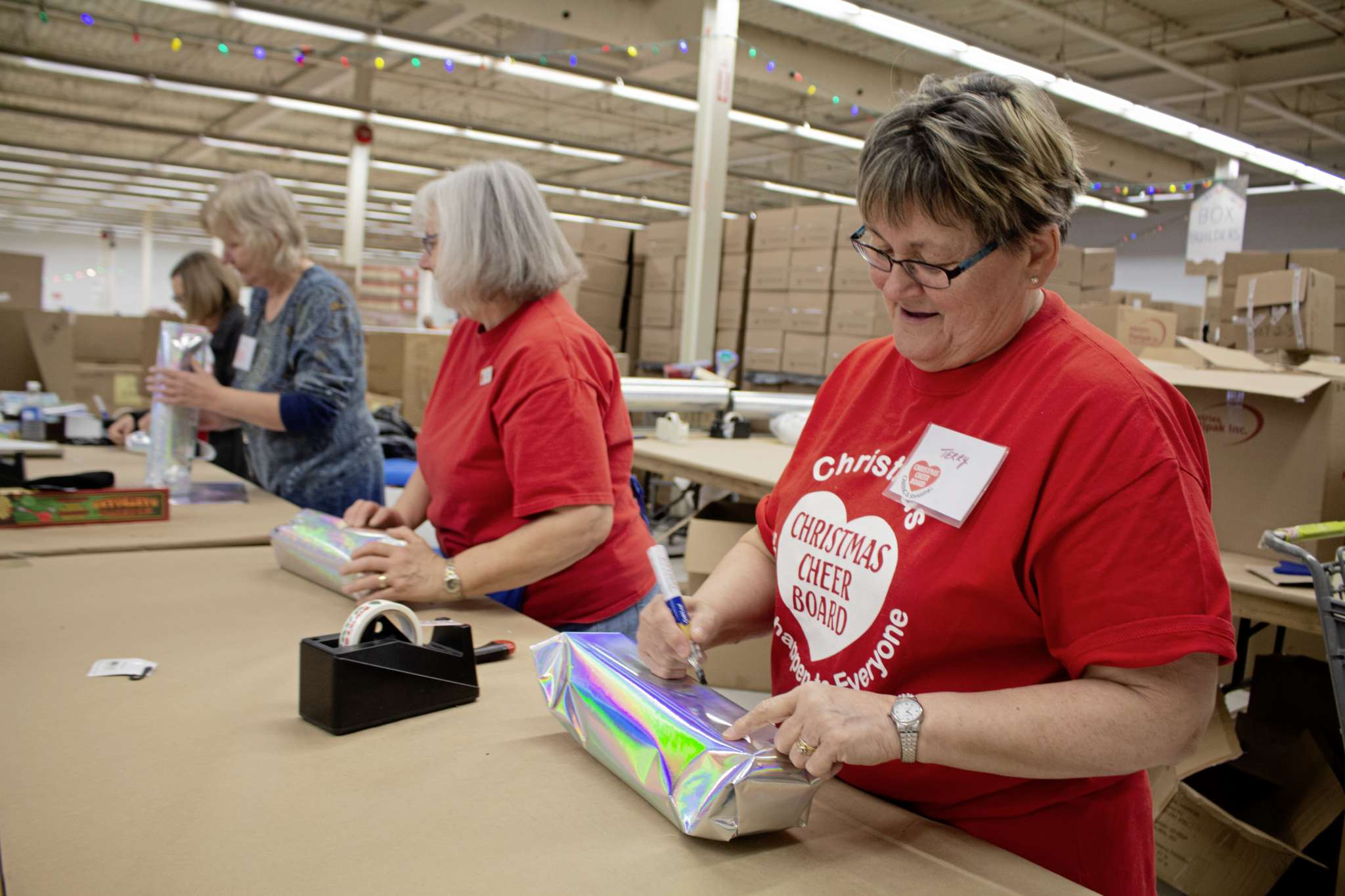 Dec 2, 2019 - Volunteers at the Christmas Cheer Board are wrapping gifts for the christmas hampers(JUSTIN LUSCHINSKI/CANSTAR COMMUNITY NEWS/METRO)