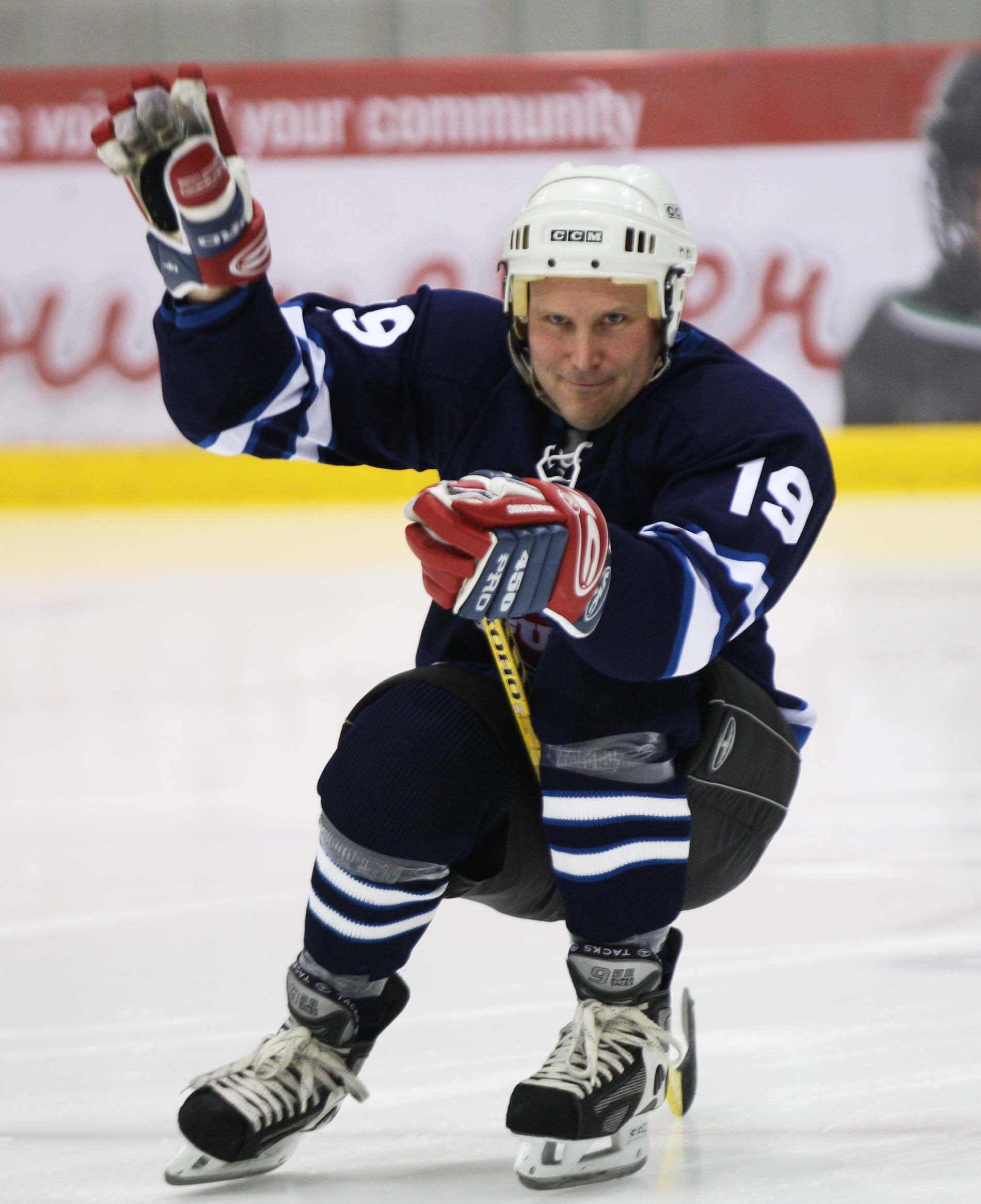 Team Rockers' Stephen Carroll of the Weakerthans makes his grand entry at the 11th annual Juno Cup.