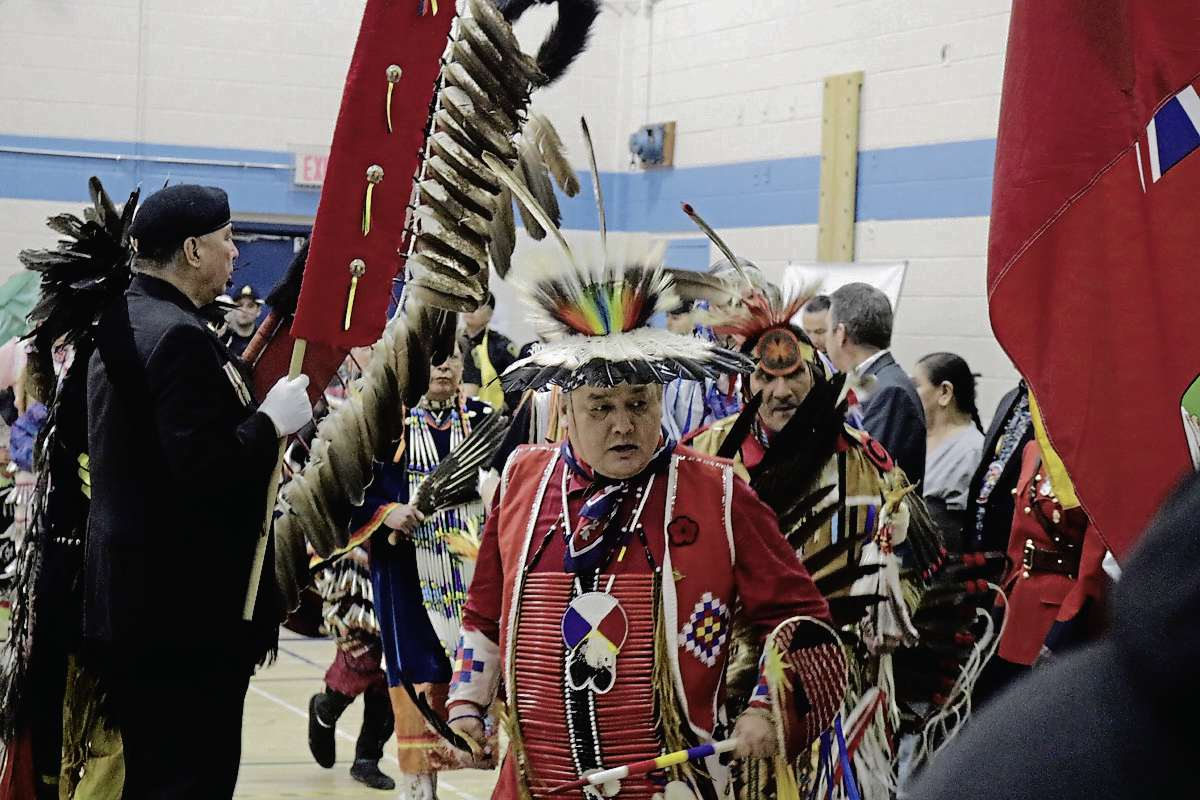 Members of the community play the drums at the annual spring feast at R.B. Russell Vocational High School on April 5. (Winnipeg Free Press files)