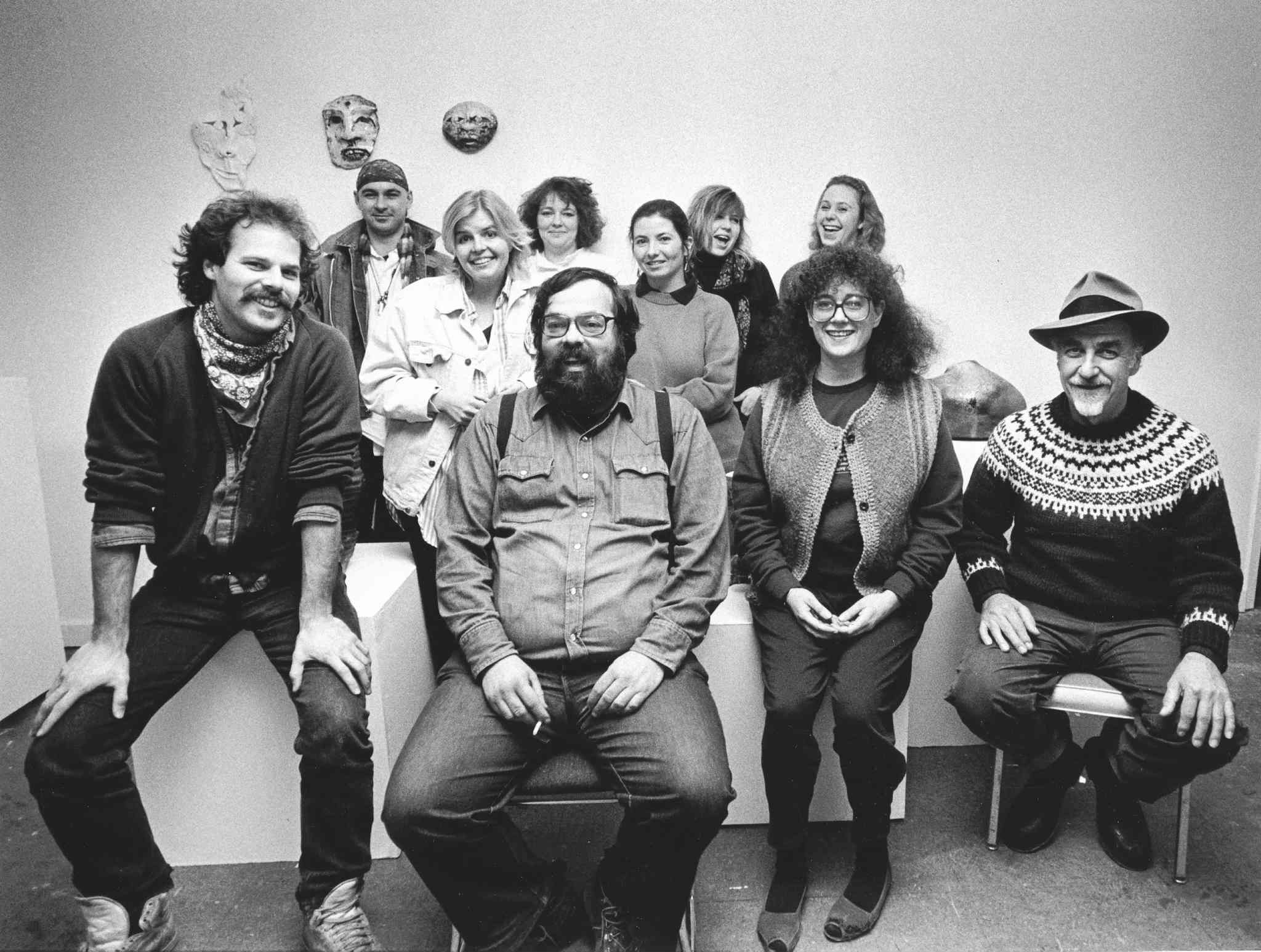 Thom Sparling (from left, front row), Mitch Podolak, Ava Kobrinsky and Harry Paine with WECC staff and volunteers in 1988. (Glenn Olsen / Winnipeg Free Press)