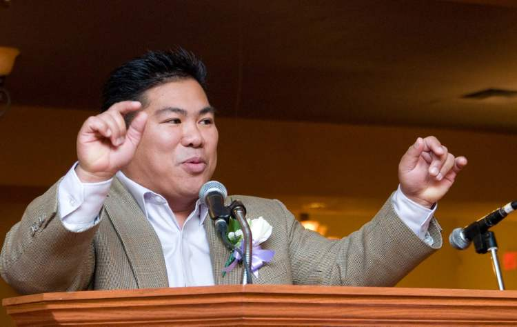 Winnipeg Coun. Mike Pagtakhan is part of a long and distinguished tradition of Filipinos in Manitoba politics. DAVID LIPNOWSKI / WINNIPEG FREE PRESS ARCHIVES