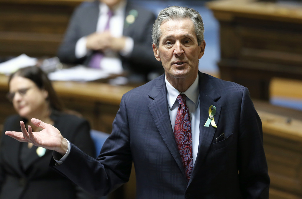 Is Premier Brian Pallister cutting taxes to help with his poll numbers? (Kevin King / Pool)