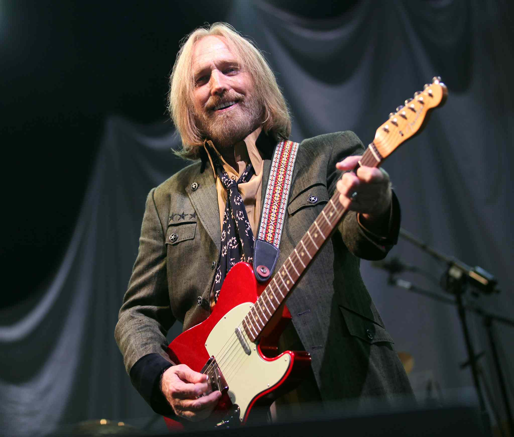 Tom Petty and the Heartbreakers tour in support of their latest album Hypnotic Eye Thursday night at the MTS Centre. (Phil Hossack / Winnipeg Free Press)