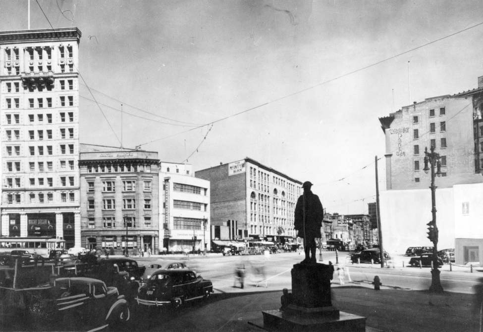 Portage Avenue and Main Street, November 13, 1958. (Winnipeg Free Press Archives)