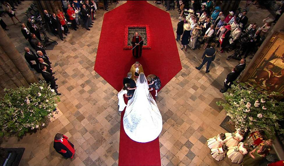 In this image taken from video, Kate Middleton is seen on the red carpet as she arrives at Westminster Abbey for the Royal Wedding in London on Friday, April, 29, 2011. (AP Photo/APTN) (CP)