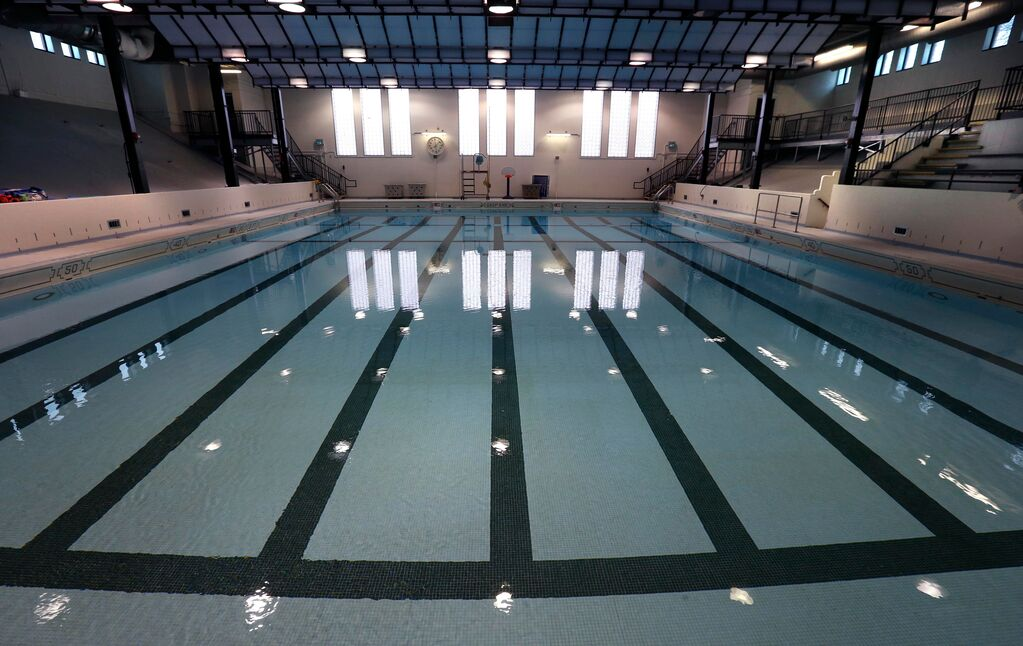 All visitors to municipal pools, libraries and rec centres should have to prove they're fully vaccinated in order to gain entry, says Coun. Kevin Klein. (Wayne Glowacki / Winnipeg Free Press files)