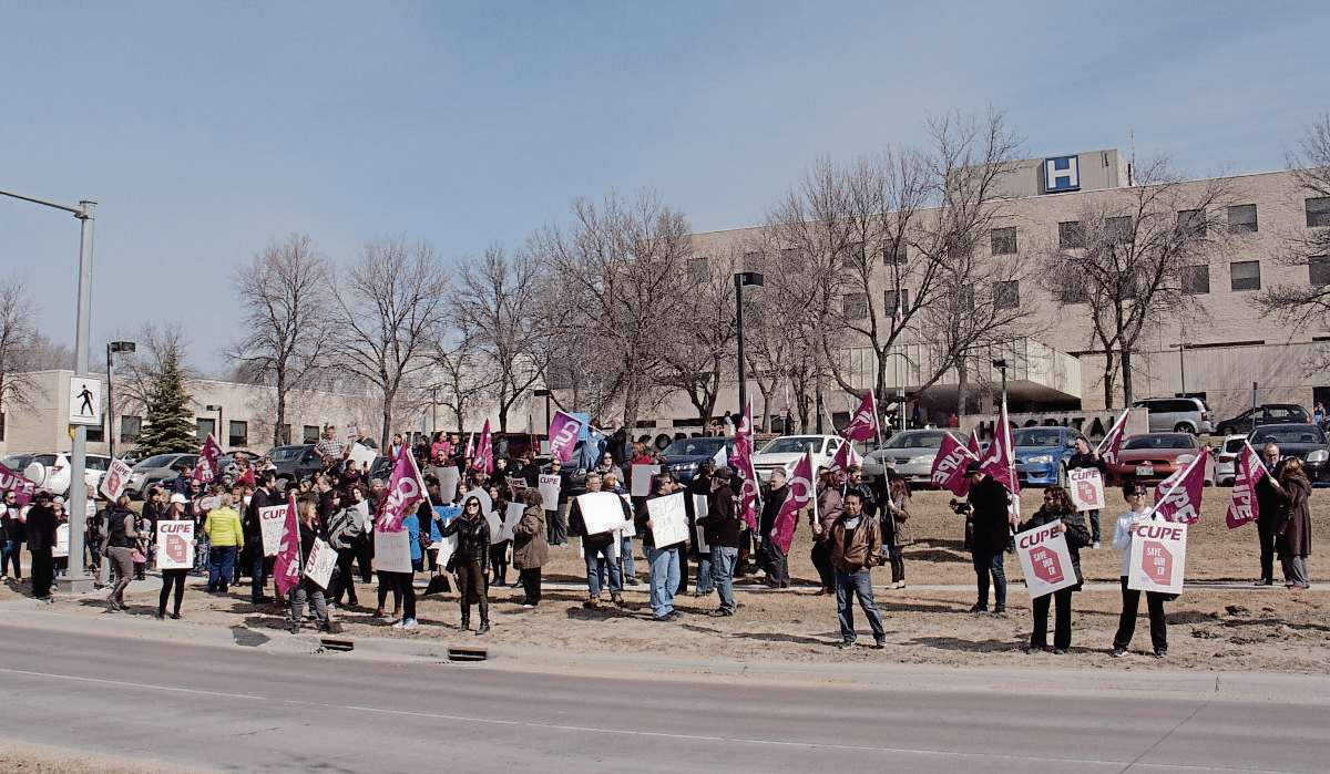 April 11, 2017 - Over 100 people gathered in front of Concordia Hospital this morning to rally in support of emergency care workers following the provincial government's announcement that Concordia's ER will be closing. (SHELDON BIRNIE/CANSTAR/THE HERALD).