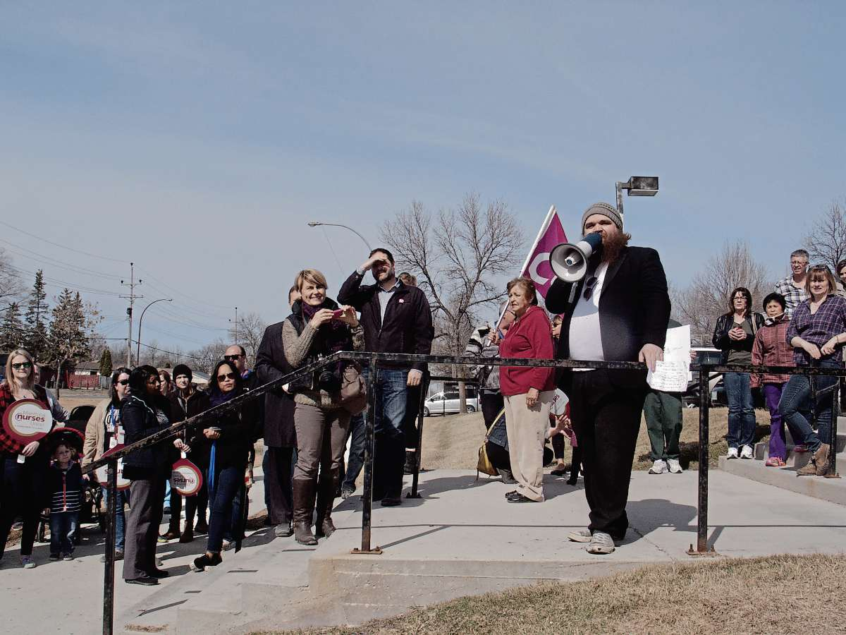 April 11, 2017 - CUPE Local 1973 president Ric McAlpine addressed the crowd at a rally on the steps of Concordia Hospital protesting the announced closure of northeast Winnipeg's only ER. (SHELDON BIRNIE/CANSTAR/THE HERALD).